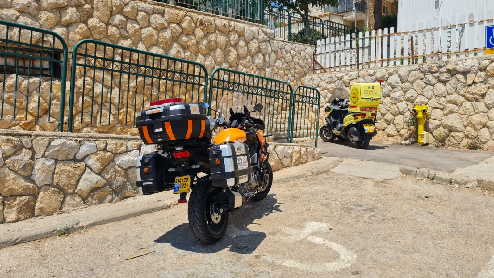 ההחייאה על פעוטה בירושלים (צילום: דוברות איחוד הצלה)