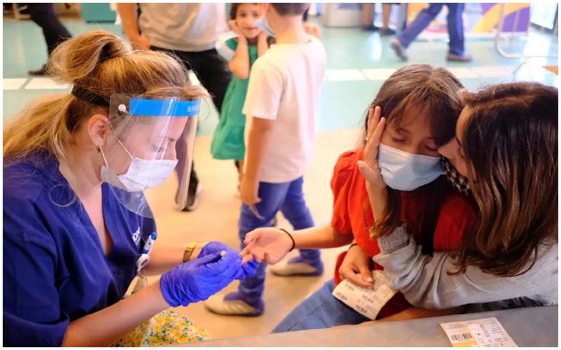 בדיקות סרולוגיות לילדים (צילום: תומר אפלבאום)