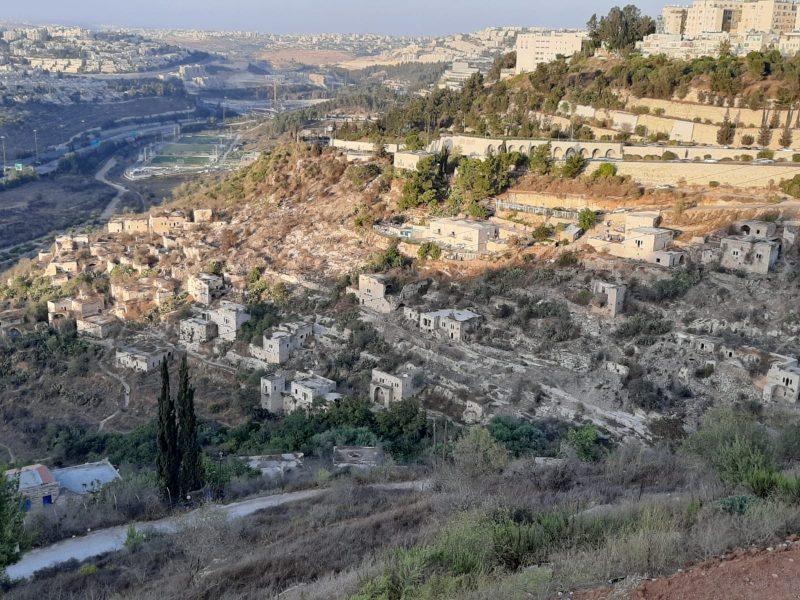 ליפתא - מבט מהכניסה לירושלים (צילום: אדם אקרמן)