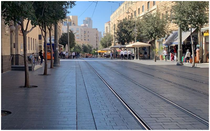 רחוב יפו, מסילות רכבת קלה - ללא קרדיט שרפלר צילם