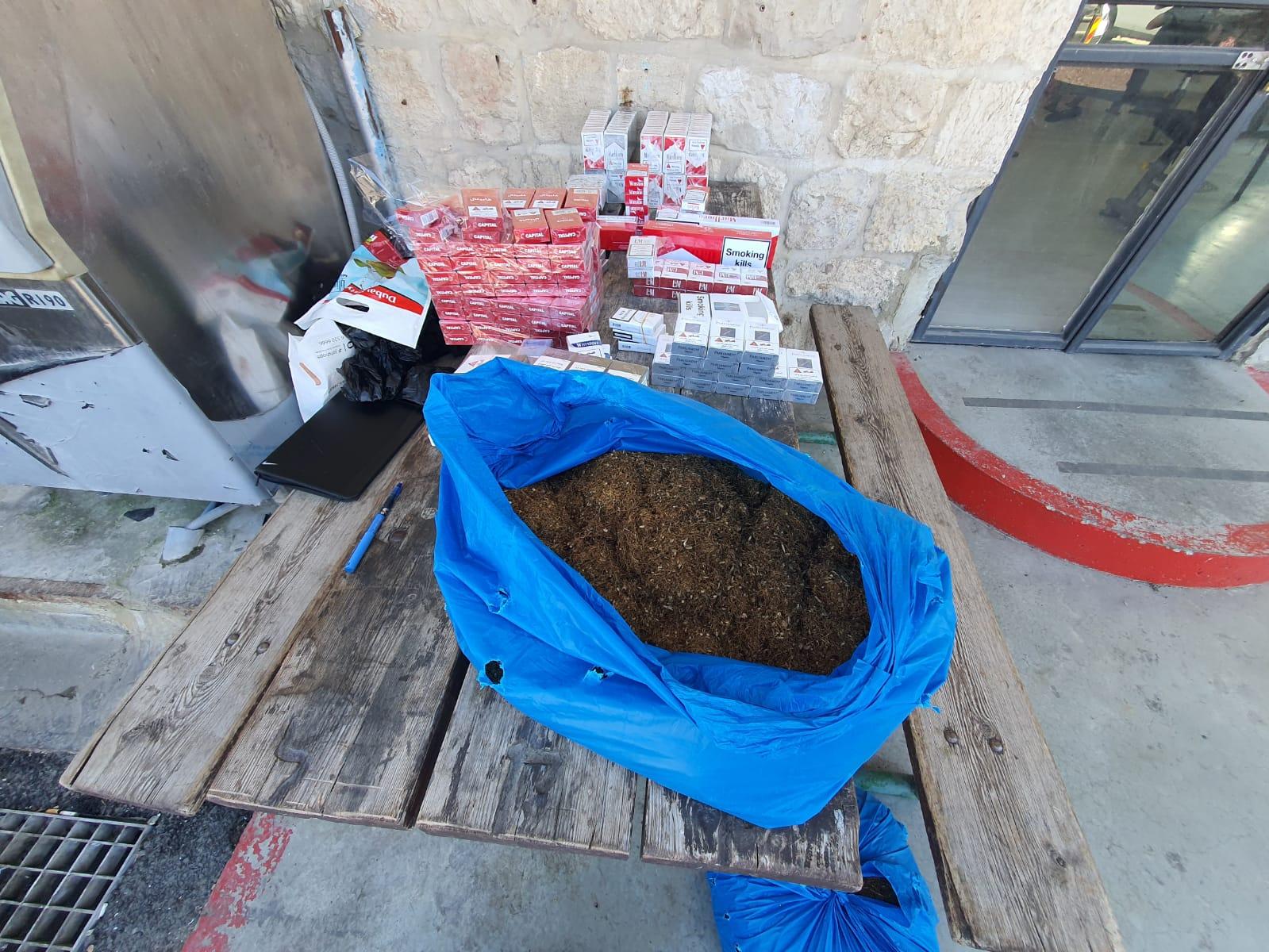 הסחורה המזויפת שנתפסה (צילום: דוברות המשטרה)